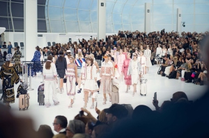 karl-lagerfeld-chanel-airport-2016-spring-summer-1
